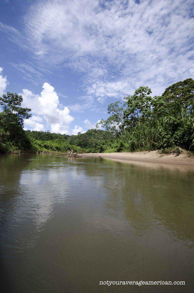 The river that runs through Huaroani Territory is the Rio Shirpuno.