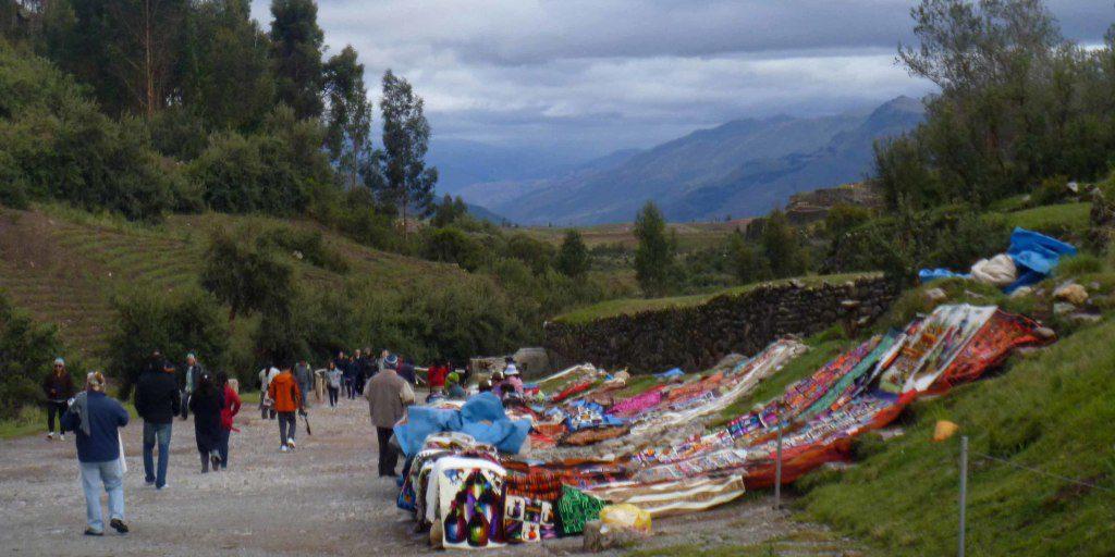 Vendors at Tambomachay