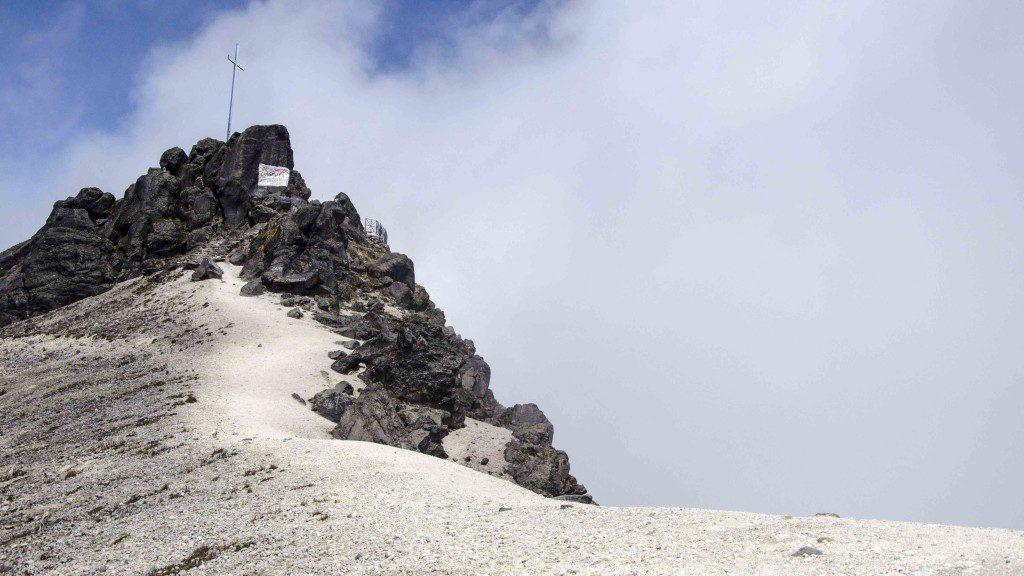 Hiking Guagua Pichincha