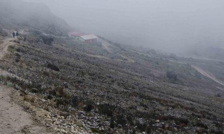 Driving to the Refugio of Guagua Pichincha