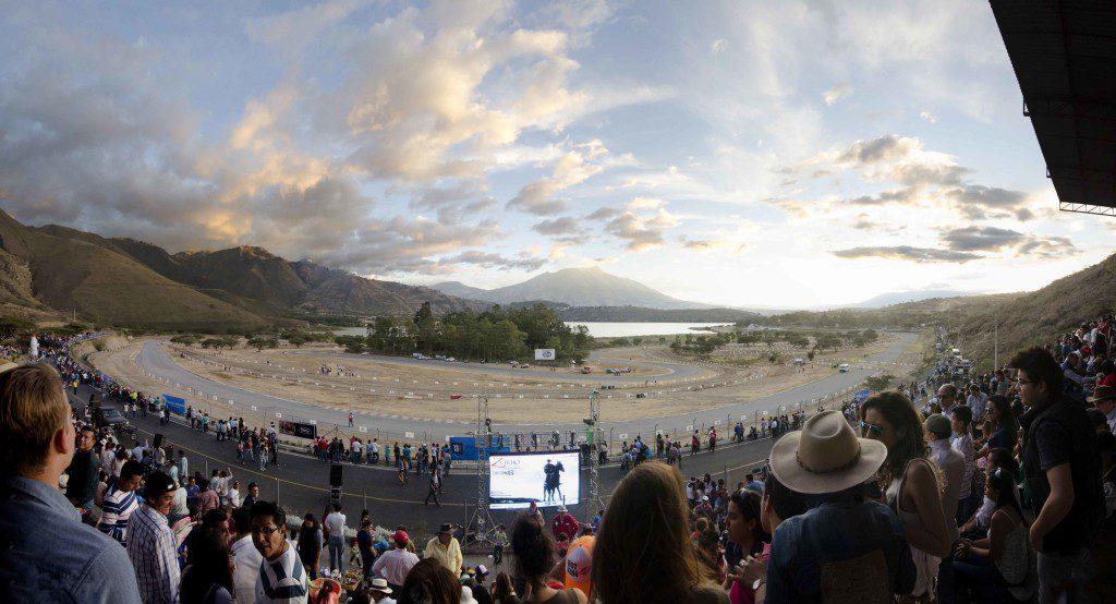 Race Track at Yahuacocha