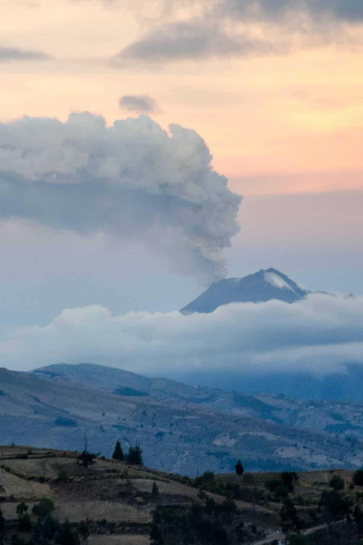 Volcán Tungurahua, Riobamba, Ecuador, Ecuador Por Mis Ojos