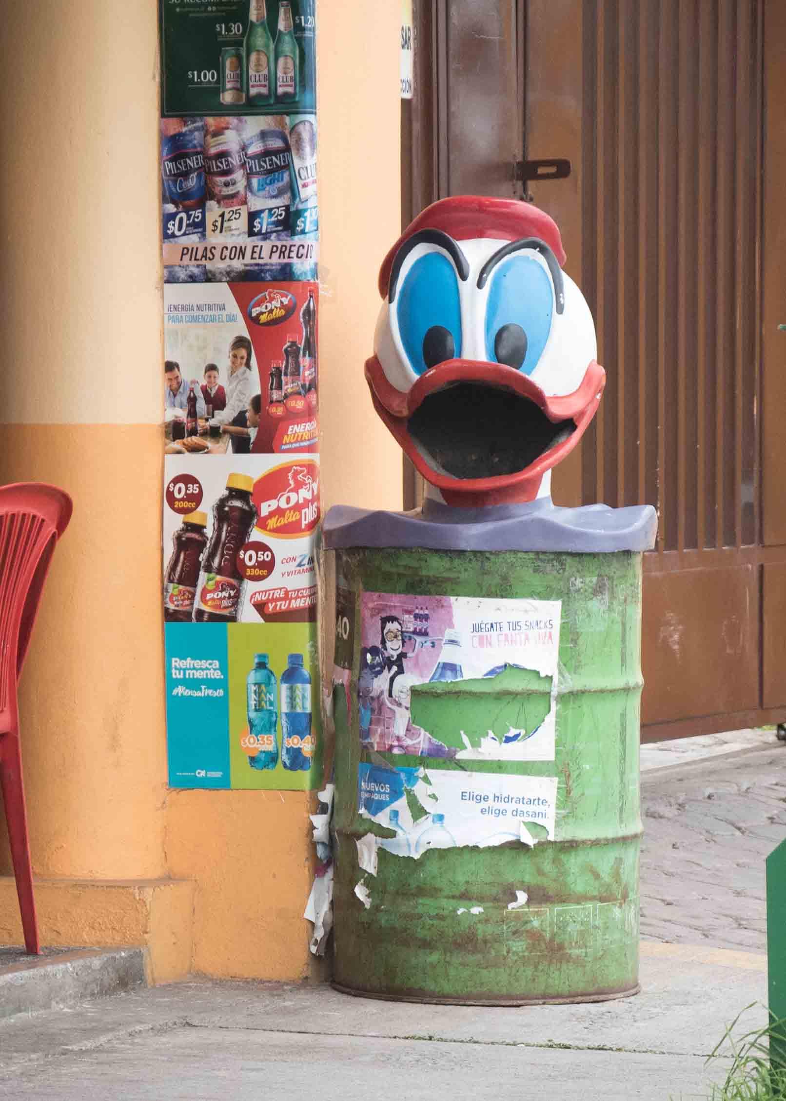 Donald Duck in Salcedo, Ecuador