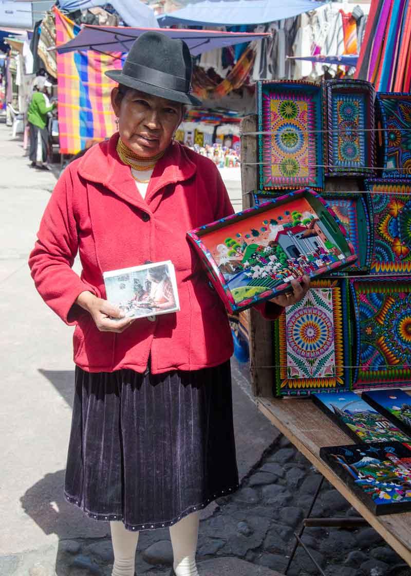 Inez Toquiza, Plaza de los Ponchos, Otavalo
