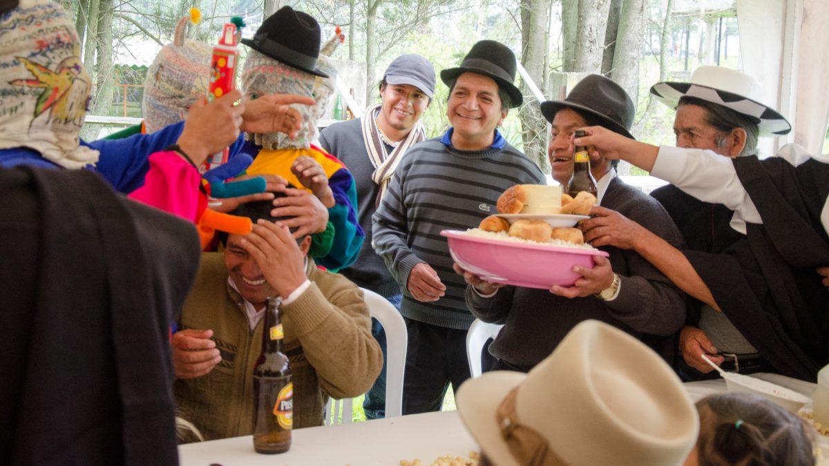 Sharing Dessert, Kapak Raymi, Quito, Ecuador | ©Angela Drake / Not Your Average American