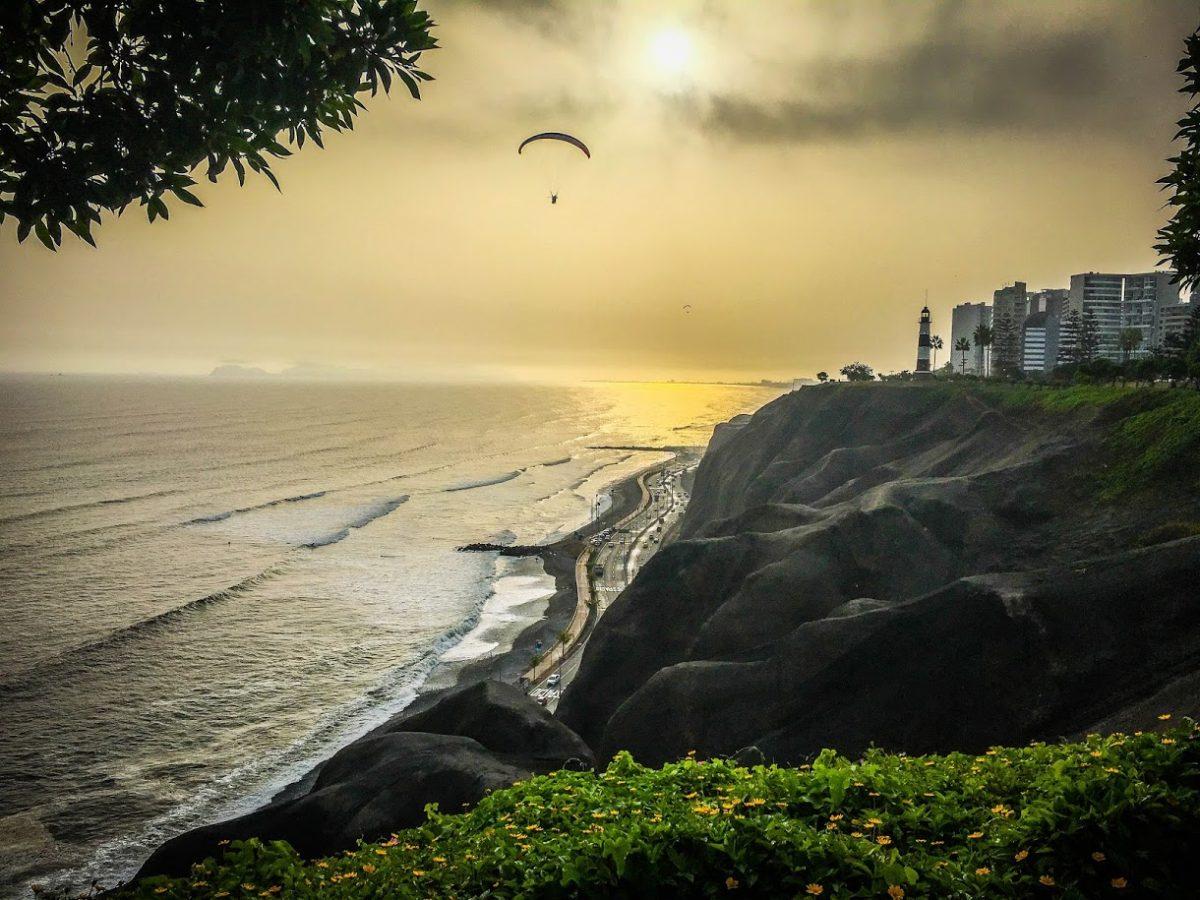 Parasailing at Sunset, Lima Peru   ©Laura Frasse