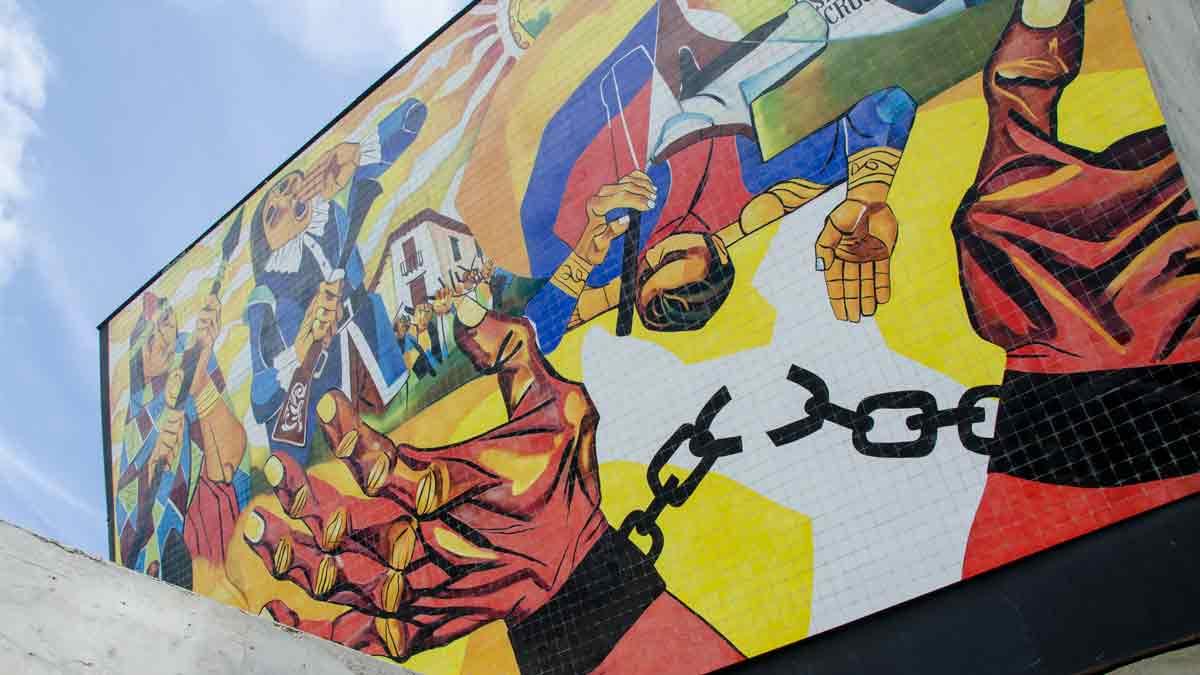 Canto de la Rebeldia by Eduardo Kingman; Cima de la Libertad, Quito, Ecuador | ©Angela Drake