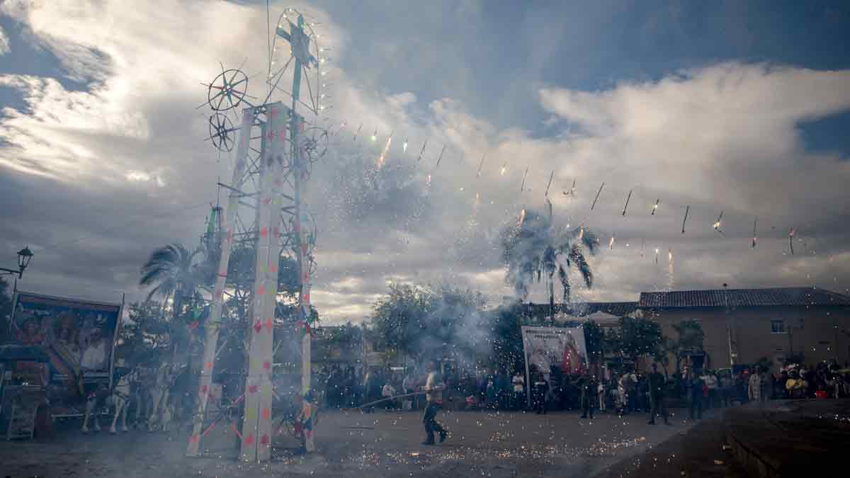 Traditional Fireworks outside of the El Quinche Church in Ecuador | © Angela Drake