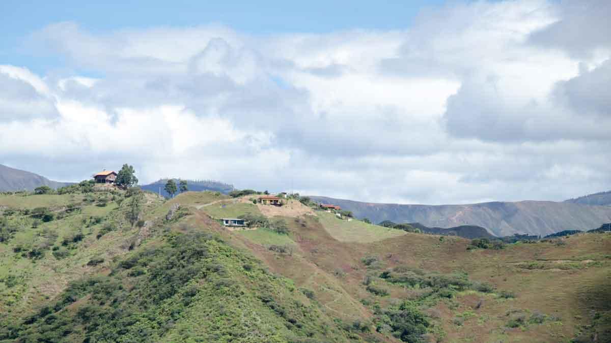 Houses atop the Andes around Vilcambamba, Ecuador | ©Angela Drake