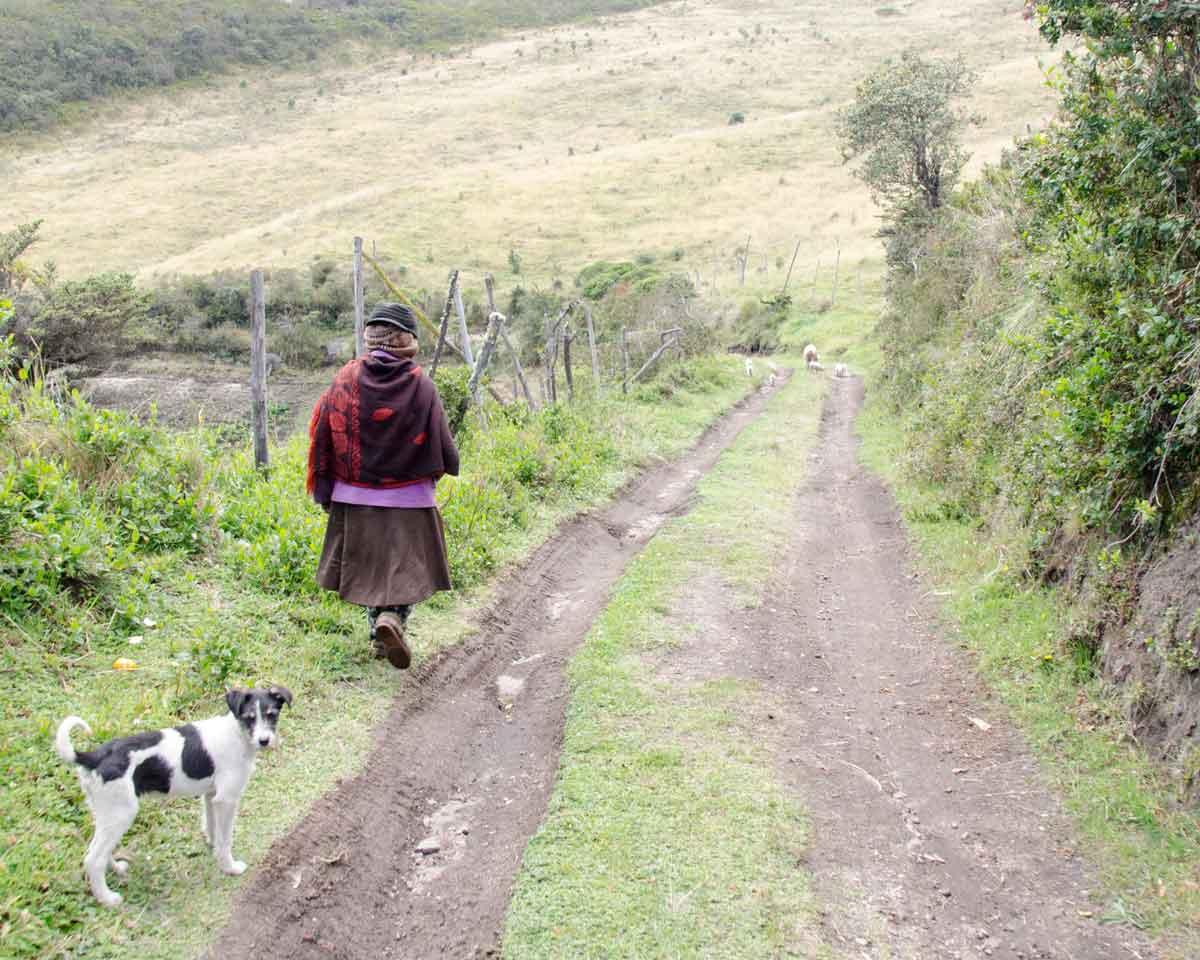 Granjera que vive cerca de la Reserva Yanacocha, Ecuador | © Angela Drake