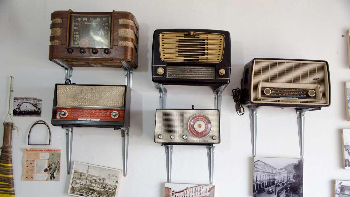 Old Radios, La Casa de La Empanada, Nono, Ecuador | ©Angela Drake