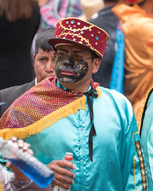 Un Loero Negro, Mama Negra, Latacunga, Ecuador | ©Angela Drake