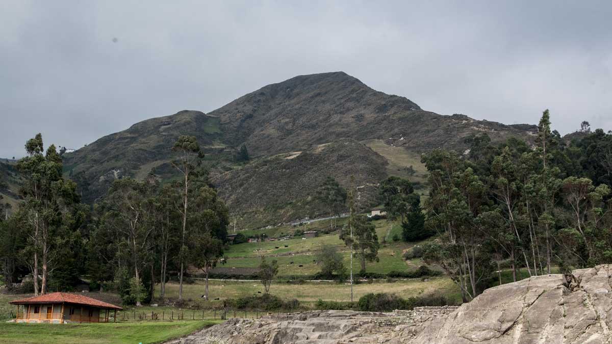 Cerro Yanacauri, Tambo, Ecuador   ©Angela Drake