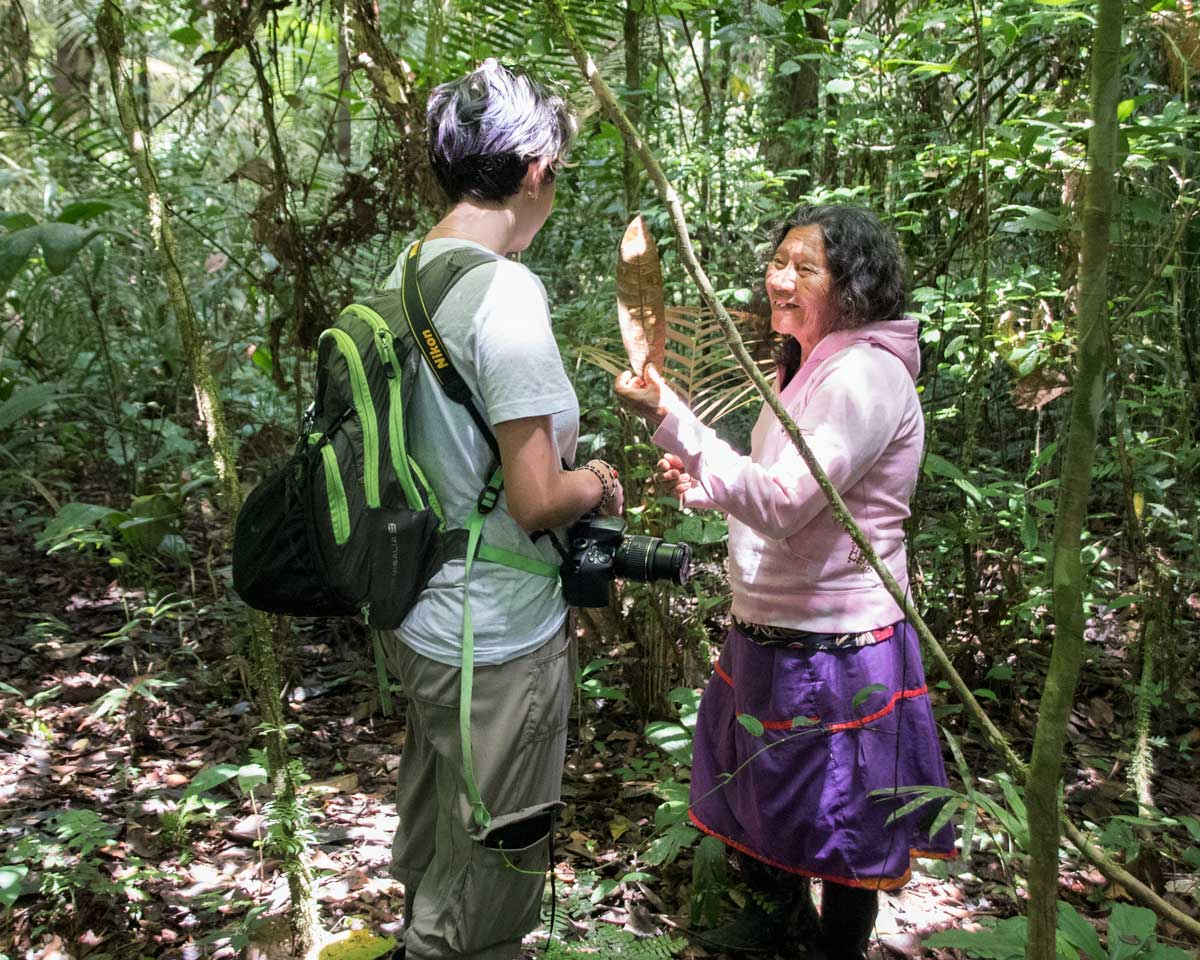 Mama Rora, Siona Guide in Cuyabeno, Ecuador with volunteer | ©Angela Drake