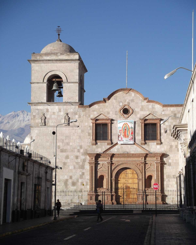 Iglesia de San Francisco, Arequipa, Peru | ©Eleanor Hughes