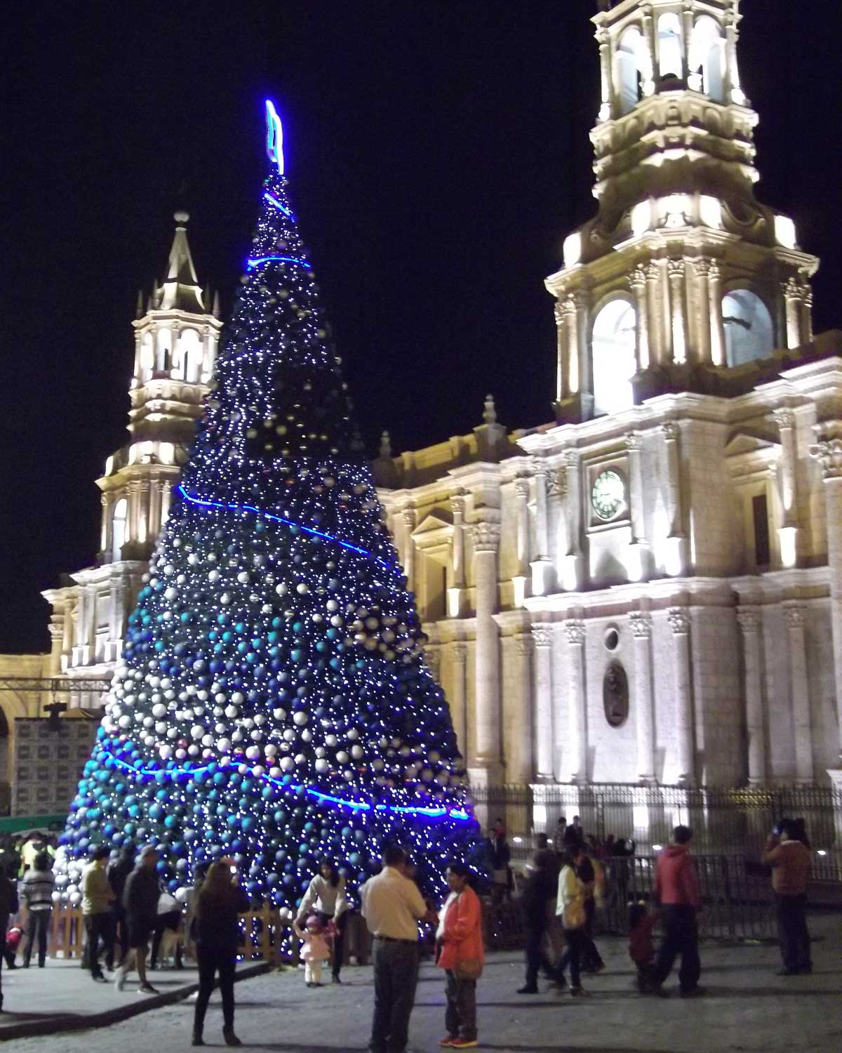 Basilica Cathedral at Christmas, Arequipa, Peru | ©Eleanor Hughes