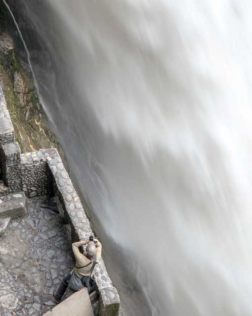 Photographing the Pailon del Diablo Waterfall, Rio Verde, Ecuador | ©Angela Drake