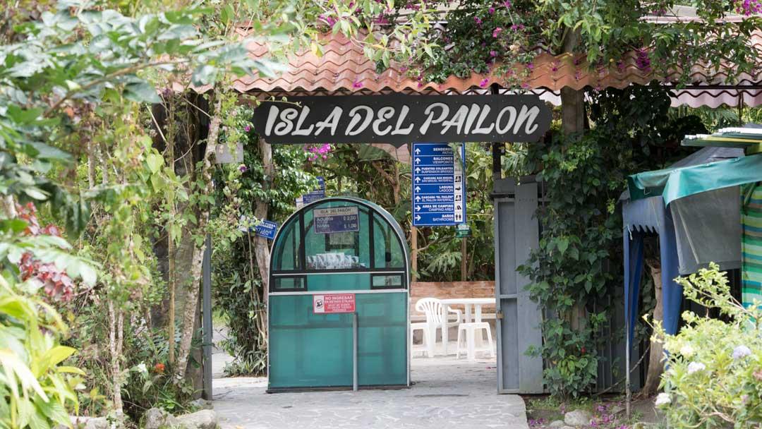 The entrance at the Isla del Pailon Trail, Pailon del Diablo, Rio Verde, Ecuador | ©Angela Drake